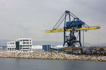 Port crane image